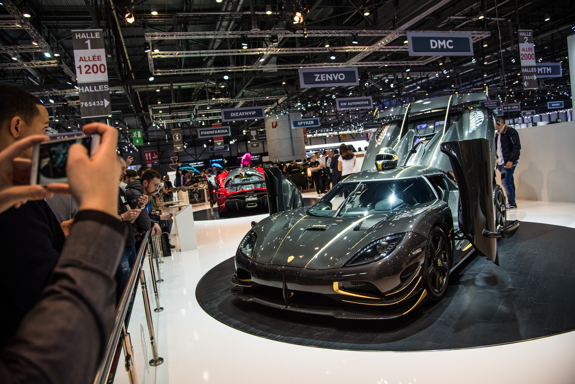 geneva-international-motor-show-igor-sinitsin-120