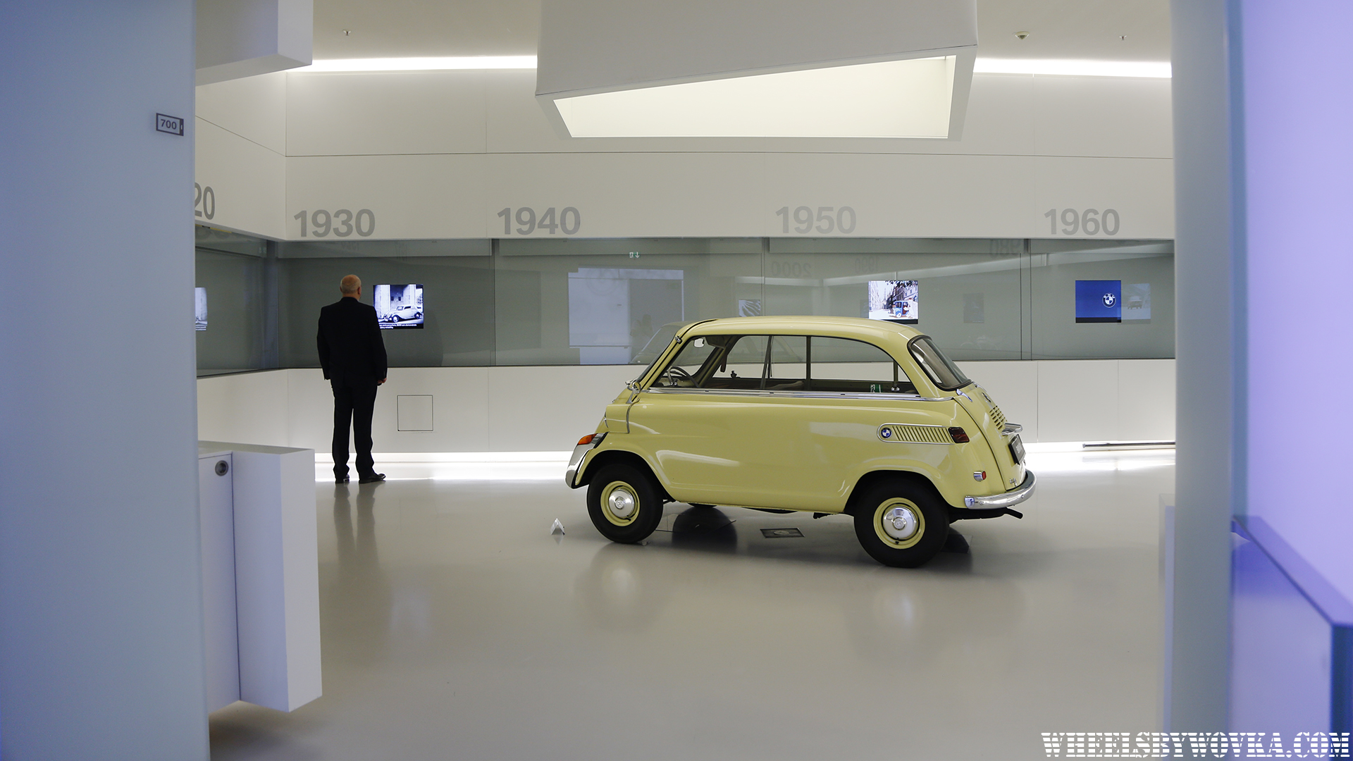 bmw-museum-welt-wheelsbywovka-14