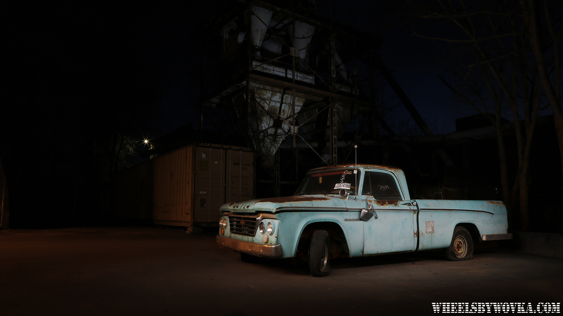 autoklassik-tallinn-lightpainting-by-wheelsbywovka-1