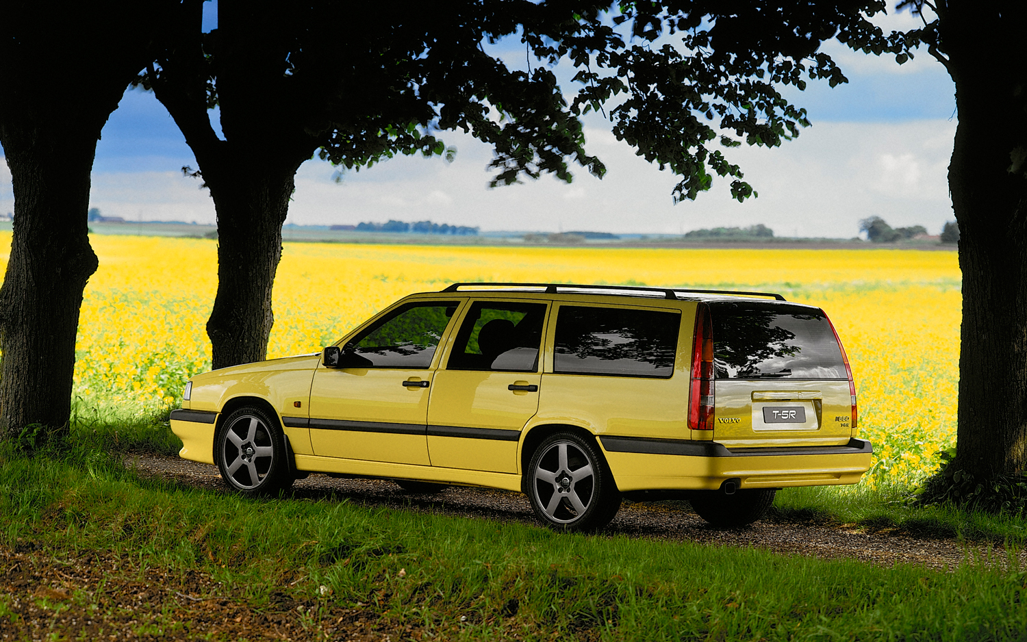 volvo-850-wagon-ultimate-sweeper-by-jane-b-for-wheelsbywovka-2